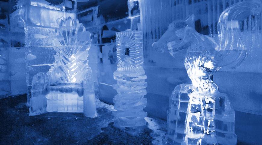 Esculturas de gelo no bar?  No Iceland tem!